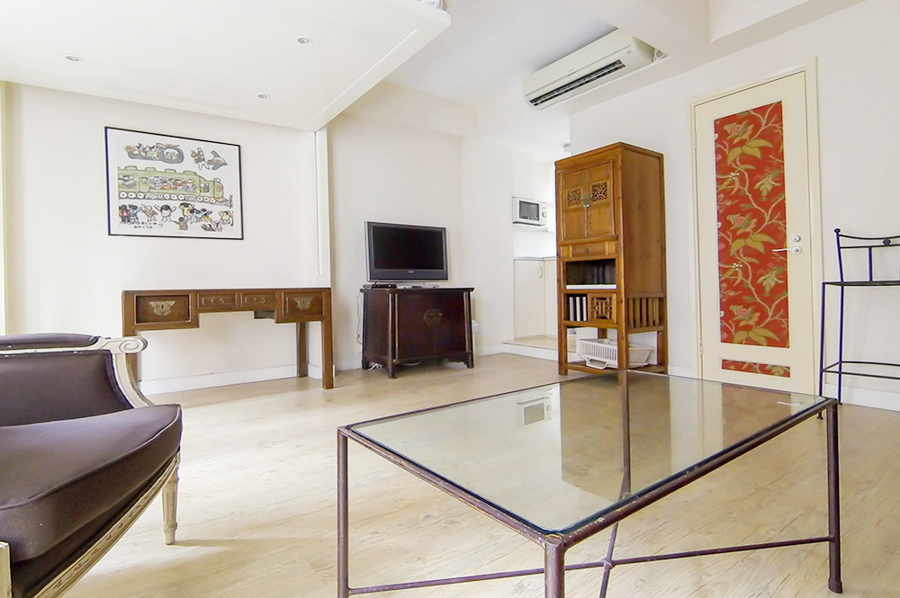y serviced apartment - mid level